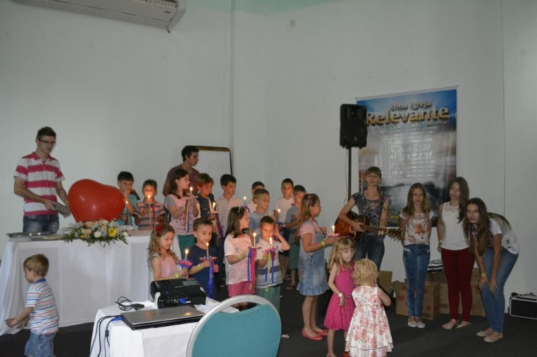 apresentação das crianças no retiro