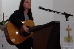 Rosi cantando em Panambi Norte